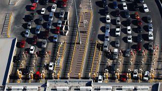 Αντιδρά η ΕΕ στην επιβολή επιπλέον δασμών στα αυτοκίνητα από τις ΗΠΑ