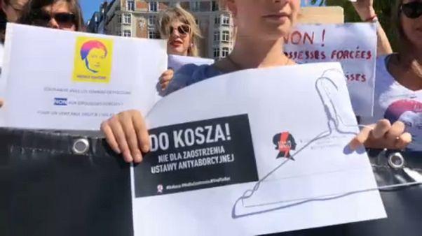 A lengyel nők jogaiért tüntettek