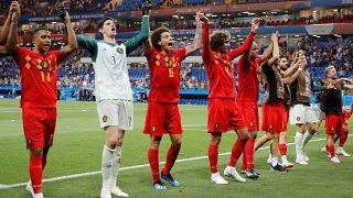 بازیکنان بلژیک بعد از پیروزی برابر ژاپن در جام جهانی