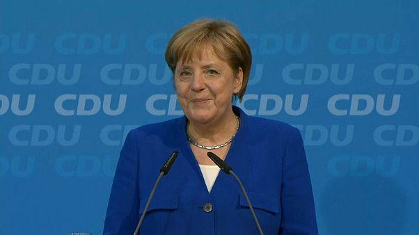 Merkel y Seehofer llegan a un acuerdo para zanjar la crisis migratoria