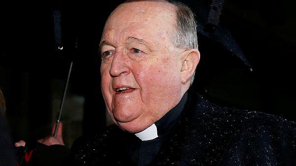 Gyermekmolesztálás eltussolása miatt elítéltek egy érseket Ausztráliában