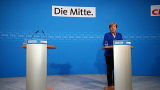 Συμβιβασμός Μέρκελ- Ζεεχόφερ για να μην καταρρεύσει η κυβέρνηση