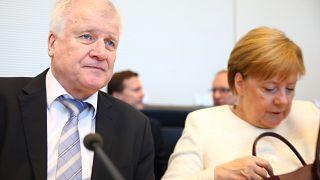 """Merkel-Seehofer: """"Nervenkrieg"""" und """"Schmierentheater"""""""