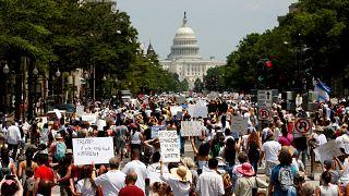 محتجون في واشنطن لمالبة إدارة ترامب بوقف حملة على المهاجرين