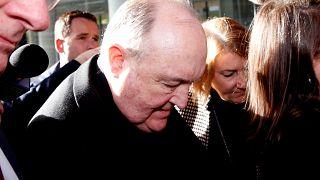 Arcebispo australiano condenado por encobrir abusos sexuais de menores