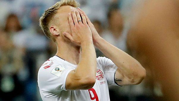 نيكولاي يورجنسن مهاجم منتخب الدنمرك بعدما أهدر ركلة الجزاء أمام كرواتيا في