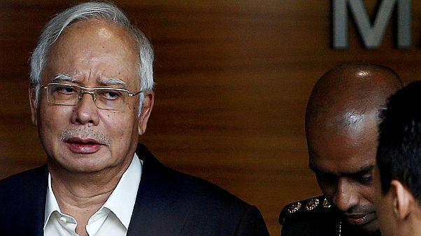 نخست وزیر پیشین مالزی به اتهام فساد مالی دستگیر شد