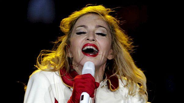 Madonna consegue estacionamento para 15 viaturas em zona nobre de Lisboa