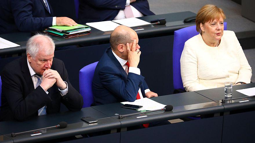 Оппозиция критикует компромисс
