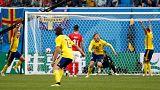 """Forsberg celebra o golo que abriu a porta dos """"quartos"""" aos nórdicos"""
