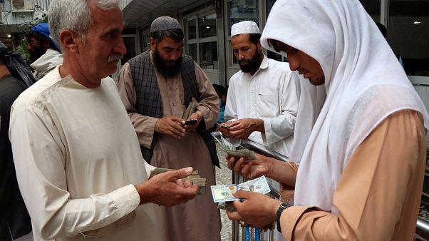"""Teheran: """"Preise steigen täglich um 20 Prozent"""""""