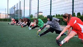 Az orosz nők is drukkolnak és fociznak