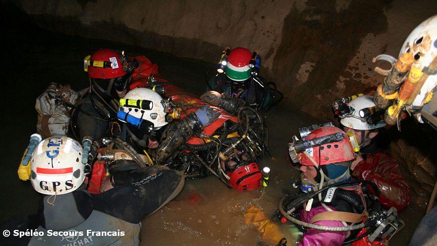 Thaïlande : une équipe de secouristes français prête à partir