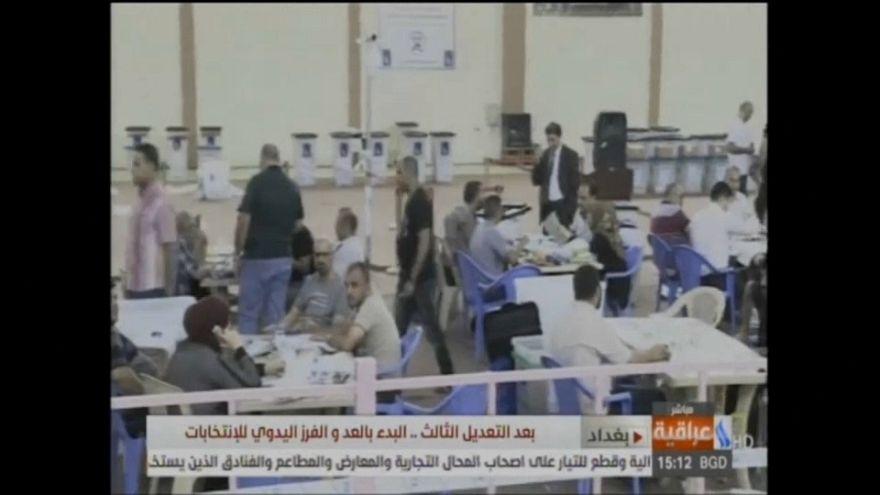 Iraq: si ricontano a mano (e sotto sorveglianza) i voti