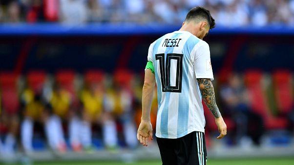 """انتحار أحد مشجعي """"ميسي"""" متأثراً بخروج الأرجنتين من المونديال"""
