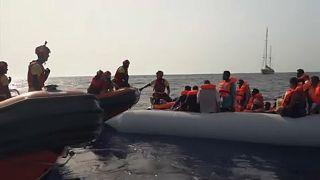 """Abu Abdelbari: """"A ajuda das ONG's incentiva os migrantes a atravessarem o mar"""""""