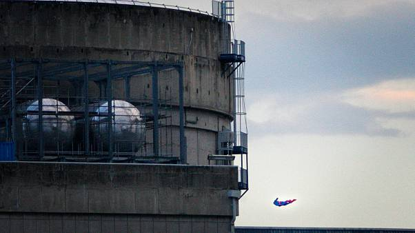 Drone - σουπερμαν σε πυρηνικό εργοστάσιο της Γαλλίας έριξε η Greenpeace