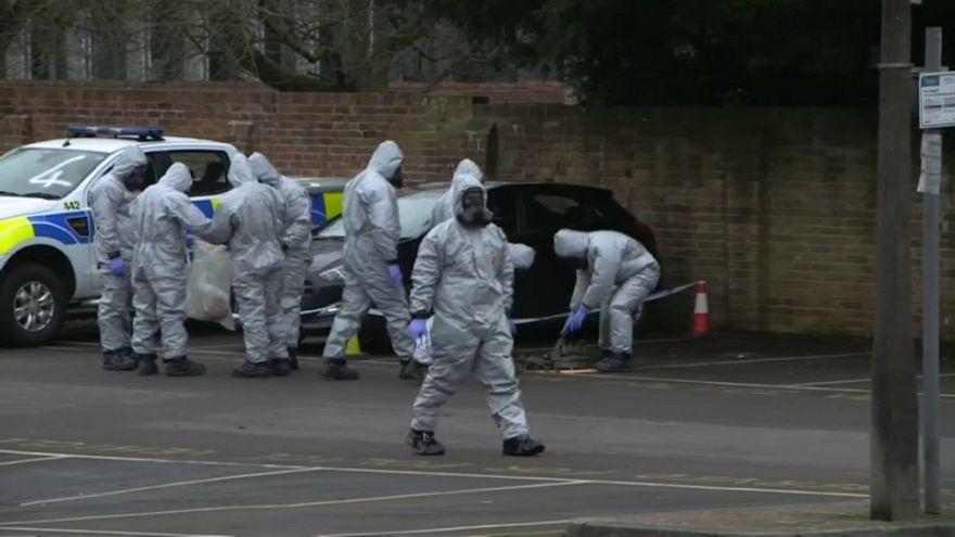 Polícia britânica confirma: Envenenados com a mesma toxina que Skripal