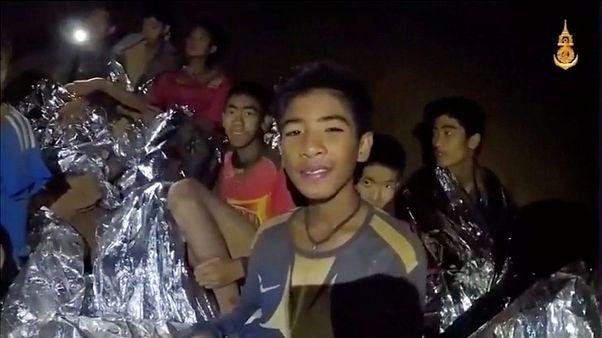 Não há plano nem data para o resgate dos jovens tailandeses