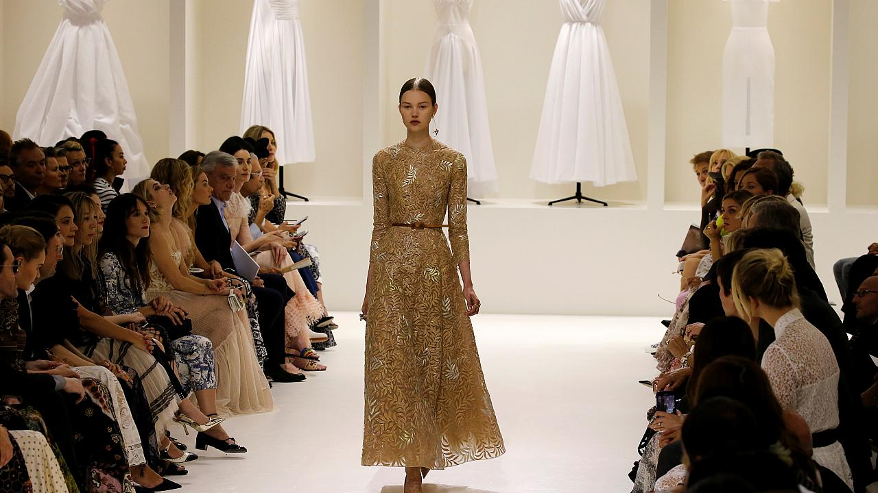 Dior Haute Couture goes retro in Paris