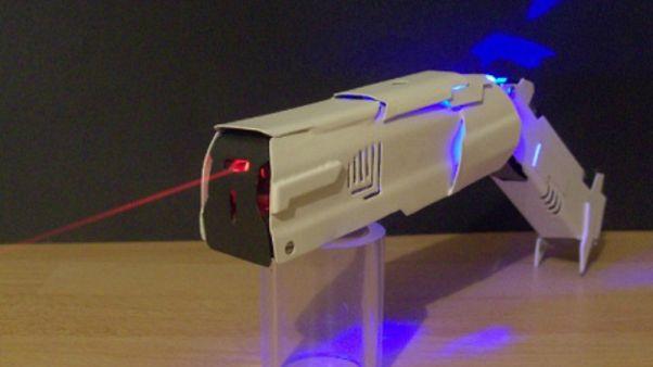 Çin'de 1 km'den etkili taşınabilir lazer silahı geliştirildi