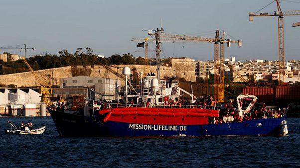 سفينة إنقاذ مهاجرين تابعة لمؤسسة خيرية قبالة ميناء في مالطا يوم 27 يونيو