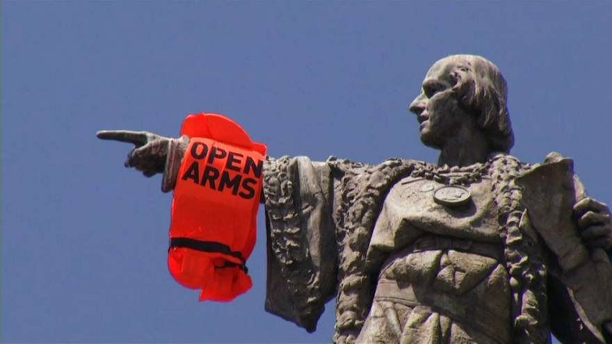 Christophe Colomb tend les bras aux migrants malmenés en Méditerranée