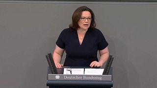 Az SPD hallani sem akar tranzitzónákról