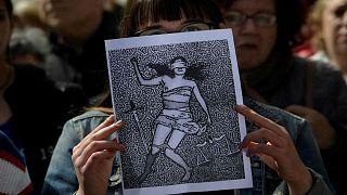 Rızasız cinsel ilişki tecavüz sayılabilir mı? Avrupa ülkeleri tecavüzü rızasız cinsel ilişkiden nasıl ayırıyor?