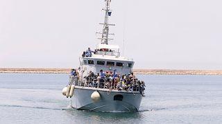 La UE rechaza las acusaciones libias y asegura que ayuda en el control de refugiados