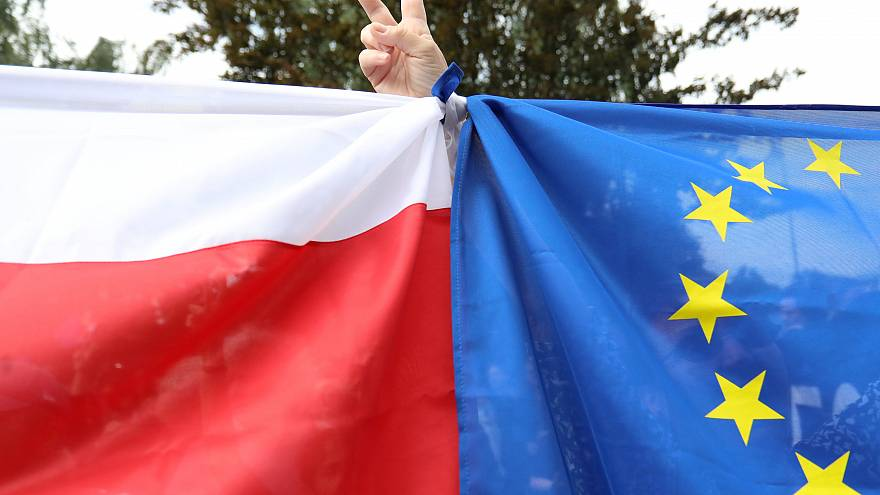 Government reform protests gather pace in Poland
