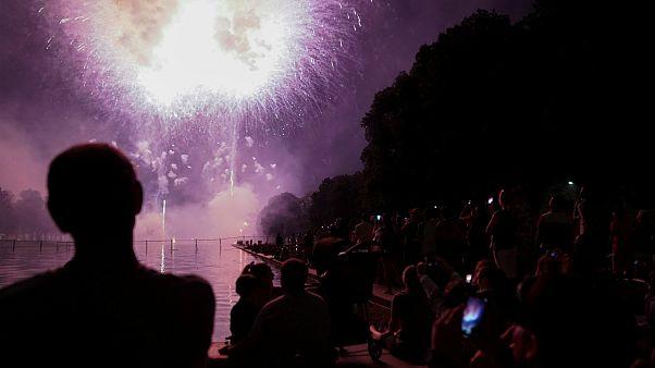 День независимости: дожди и фейерверки