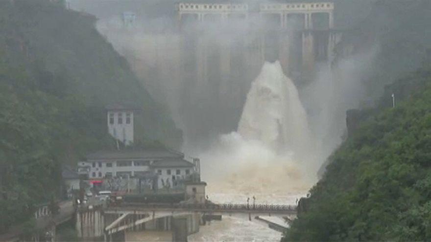 Pusztít az esős évszak Kínában