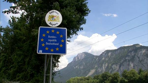 Migração divide Alemanha e Áustria.