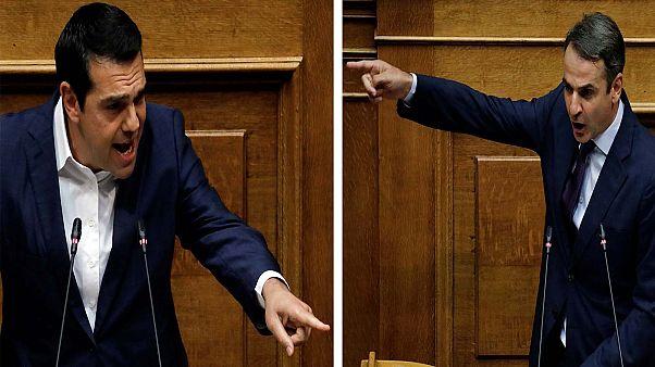 Δριμεία αντιπαράθεση Τσίπρα - Μητσοτάκη στη Βουλή για την οικονομία
