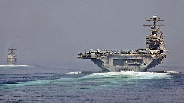 ناو موشکی سنت جورج متعلق به نیروی دریایی آمریکا در تنگه هرمز سال ۲۰۱۲