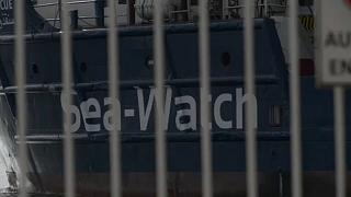 ONG e governos em confronto sobre resgate no mar