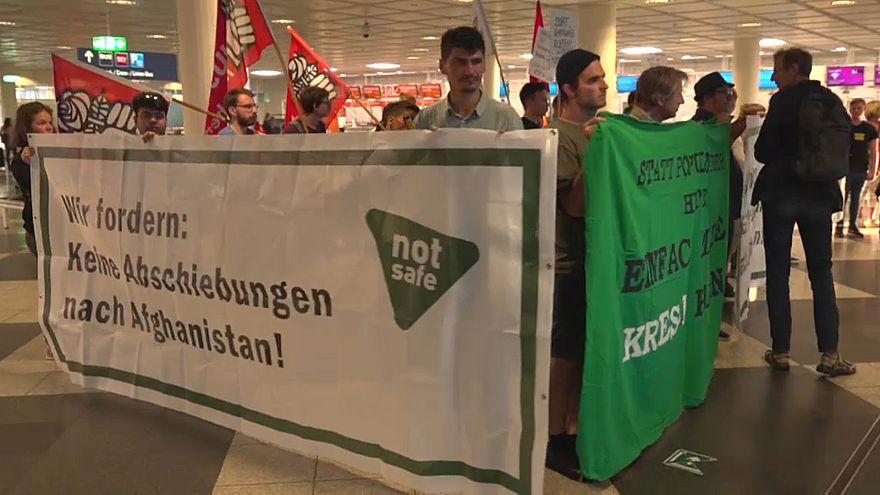 Alemania reinicia las deportaciones de inmigrantes