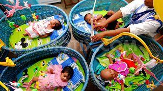 """جمعية خيرية تابعة لمنظمة """"الأم تيريزا"""" باعت 45 طفلا في الهند"""