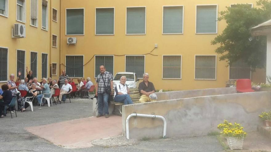 Elderly group occupy leisure centre in Rome to protest its closure