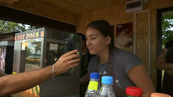 شاهد: الأجانب يلجأون إلى غوغل لفك طلاسم اللغة الروسية
