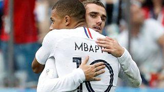 França nas meias-finais, derrota Uruguai por 2-0