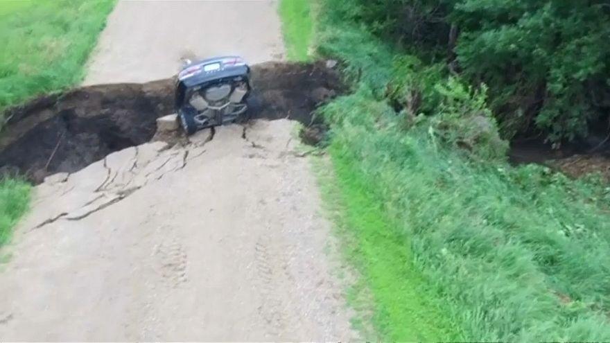 السيارة رأسا على عقب لكن السائق تمكن من النجاة