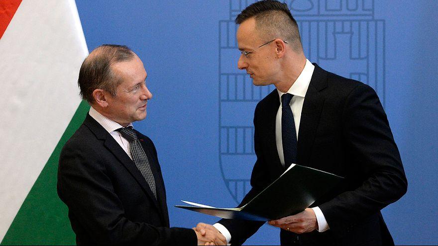 Magyar kitüntetés az Orbánt dicsérő francia nagykövetnek