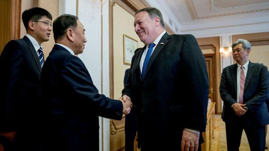 وزير الخارجية الأمريكي مايك بومبيو ويونج تشول المسؤول الكوري الشمالي
