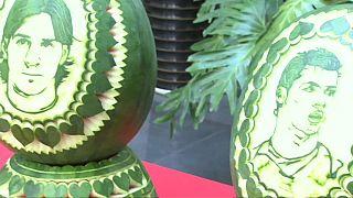 """رونالدو وميسي على """"البطيخ الصيني""""!!"""