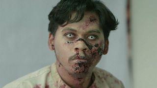 """شاهد: """"الأموات السائرون"""" يقتحمون شوارع جاكرتا"""