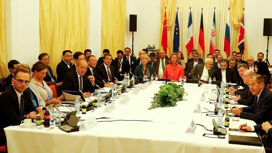 ظریف: اقدام های مورد توافق وزرا باید پیش از آغاز تحریمها اجرایی شوند