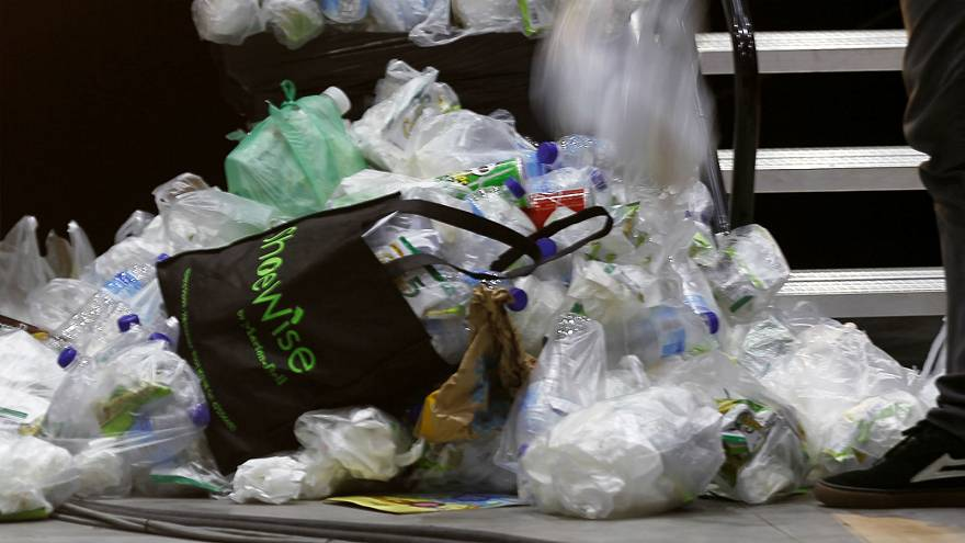 Terror group al-Shabaab bans single-use plastic bags