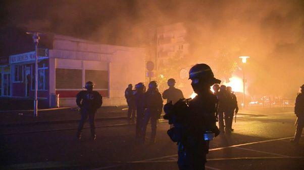 Беспорядки в Нанте: выстрел был случайным